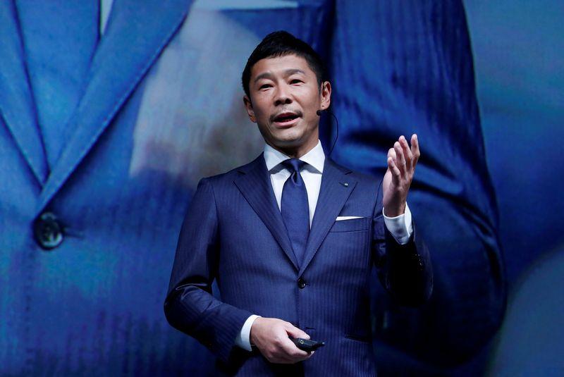 """Milijardierius iš Japonijos Yusaku Maezawa taps pirmuoju """"SpaceX"""" kosmoso turistu. Kim Kyung-Hoon (""""Reuters"""" / """"Scanpix"""") nuotr."""