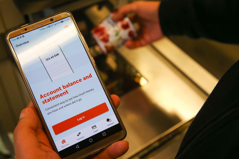"""VŽ bando: """"Swedbank"""" paleidus mokėjimus telefonu, """"MoQ"""" reikės labai pasistengti"""