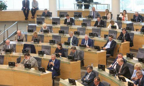 Seimas pasipriešino nepavojingų atliekų degintojų apmokestinimui