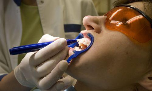 Odontologijos priemonėms siūlo įteisinti 9% PVM