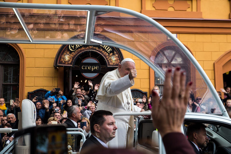 Popiežius aukojo mišias Kaune ir ragino kunigus būti arčiau žmonių