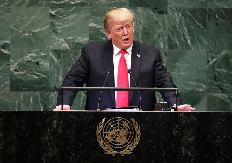 """JAV prezidentas Donaldas Trumpas sako kalba JT. Carlo Allegri (""""Reuters"""" / """"Scanpix"""") nuotr."""
