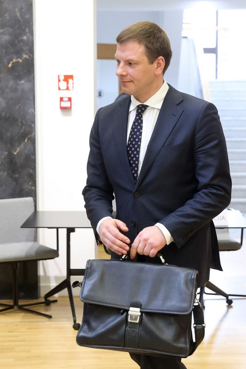 Klausimą dėl valstybės valdomo administracinio nekilnojamojo turto pertvarkos Vyriausybei pateikė finansų ministras Vilius Šapoka. Vladimiro Ivanovo (VŽ) nuotr.