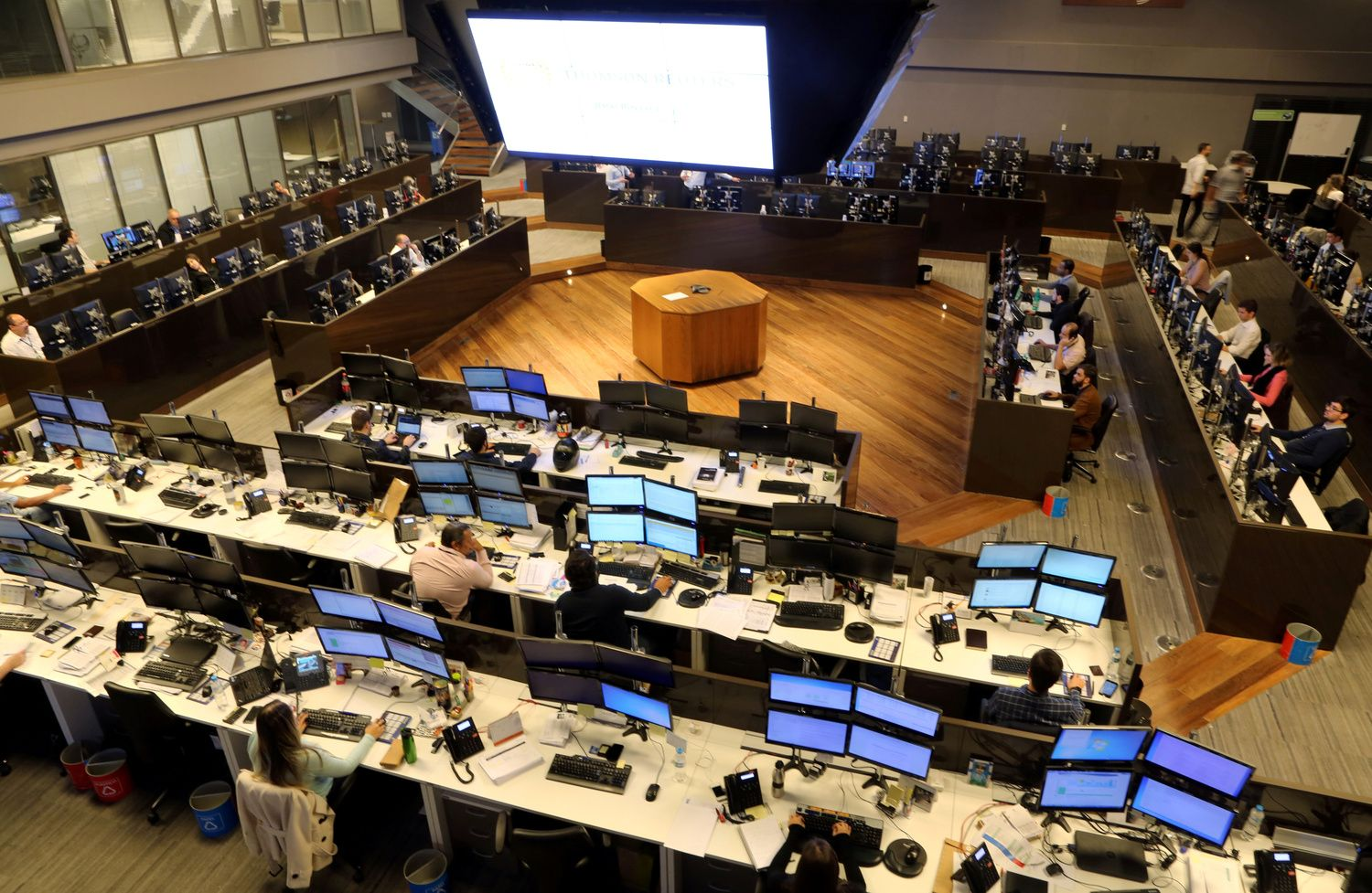 Stocks in Asia Mixed; Treasuries Steady Before Fed: Markets Wrap