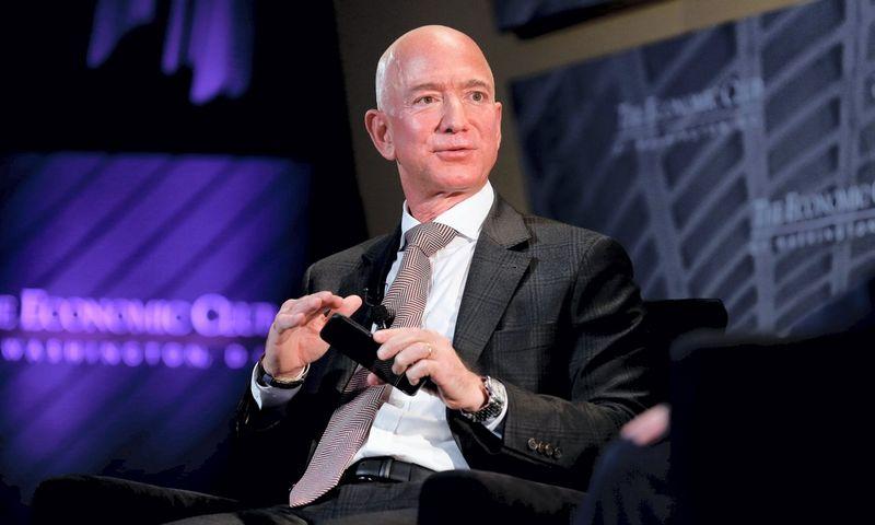 "Jeffas Bezosas, ""Amazon"" vadovas.Joshua Roberts (""Reuters"") nuotr."