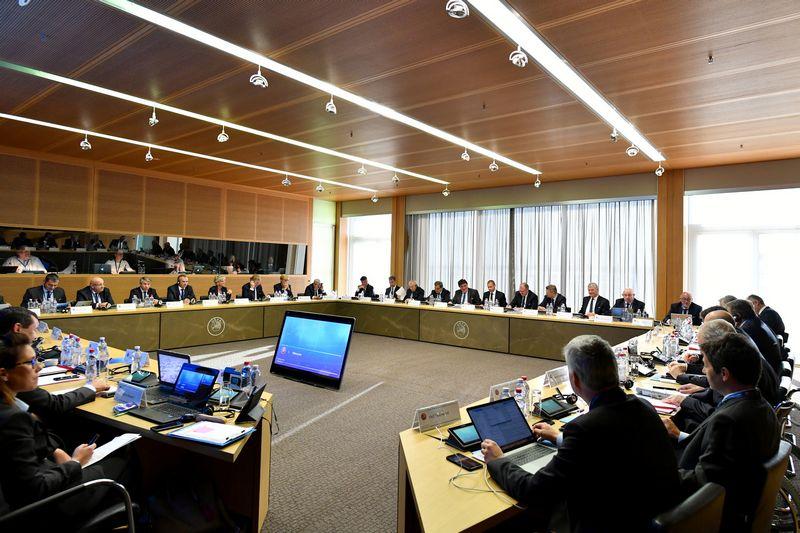 """UEFA vykdomasis komitetas teisę surengti Europos futbolo čempionatą patikėjo Vokietijai. """"Reuters""""/ """"Scanpix"""" nuotr."""