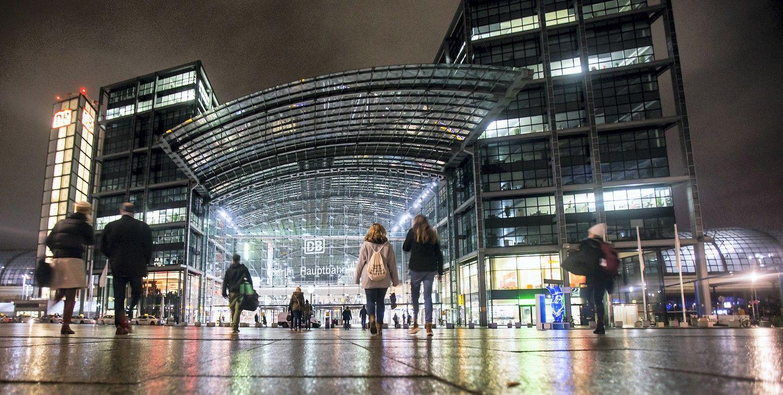 Planuojamas keleivinis traukinys Sankt Peterburgas-Berlynas per Lietuvą