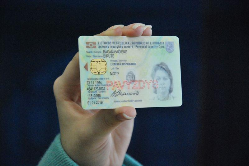 Asmens tapatybės kortelės pavyzdys. Juditos Grigelytės (VŽ) nuotr.