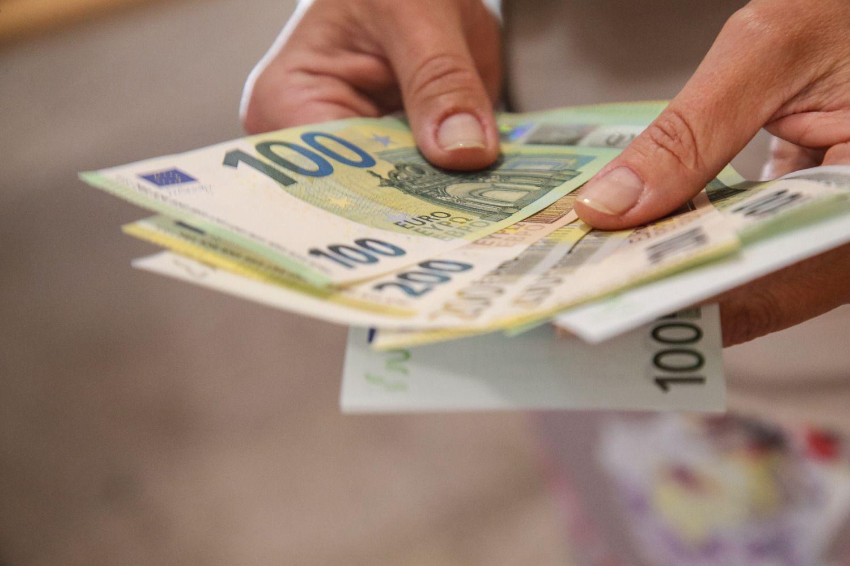 Ministerija: MMA kitąmet augs, po mokesčių reformos sieks 555 Eur