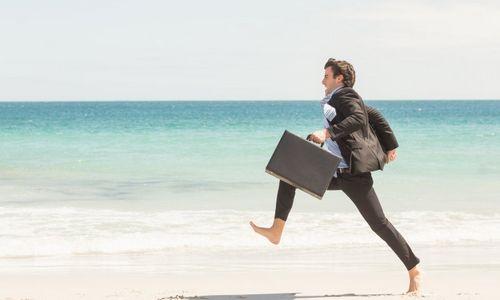 Ilgiau gyvena tie, kas reguliariai atostogauja