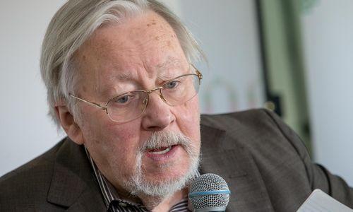 Landsbergis: reikia ginti partijų parlamentinį būvį, kad nepavirstų gaujomis