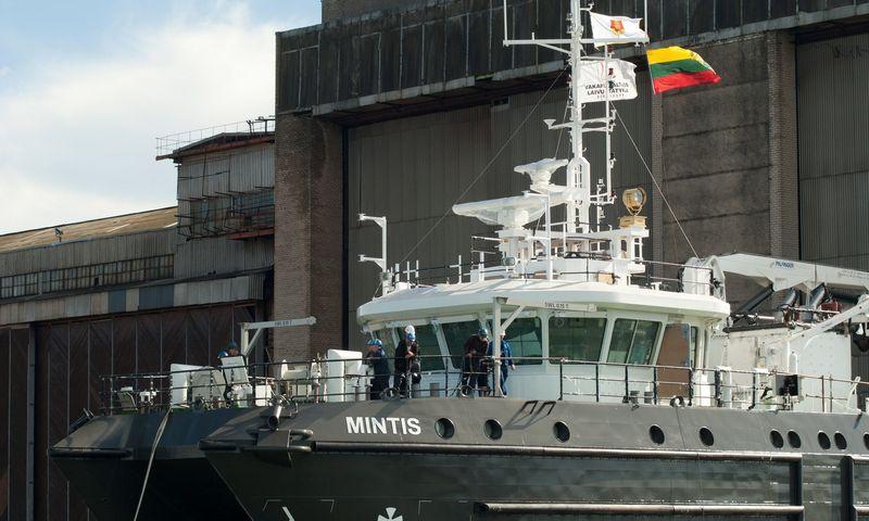 """Į vandenį nuleidžiamas Klaipėdos universitetui """"Vakarų Baltijos laivų statyklos"""" pastatytas mokslinių tyrimų laivas """"Mintis"""". Algimanto Kalvaičio nuotr."""