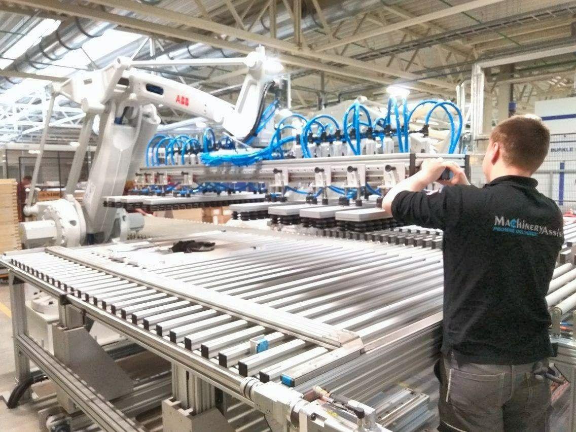 Nors ekonominė aplinka itin palanki, pramonės plėtrai kliudo vidiniai veiksniai