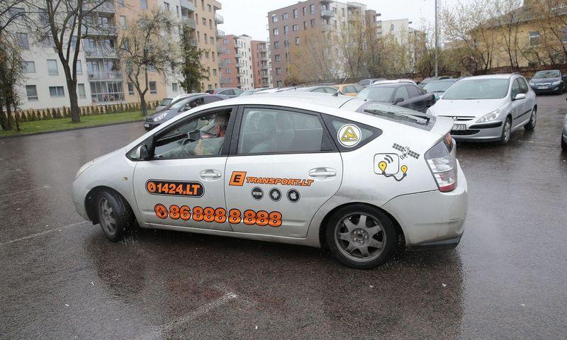 """Hibridinis """"Toyota Prius"""" Lietuvoje. Vladimiro Ivanovo (VŽ) nuotr."""