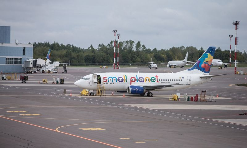 """""""Small Planet"""" lėktuvas Vilniaus oro uoste. Juditos Grigelytės (VŽ) nuotr."""