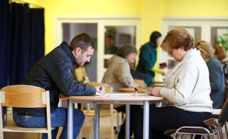 Latvijoje – parlamento rinkimai: gerai pasirodė proeuropietiškos partijos