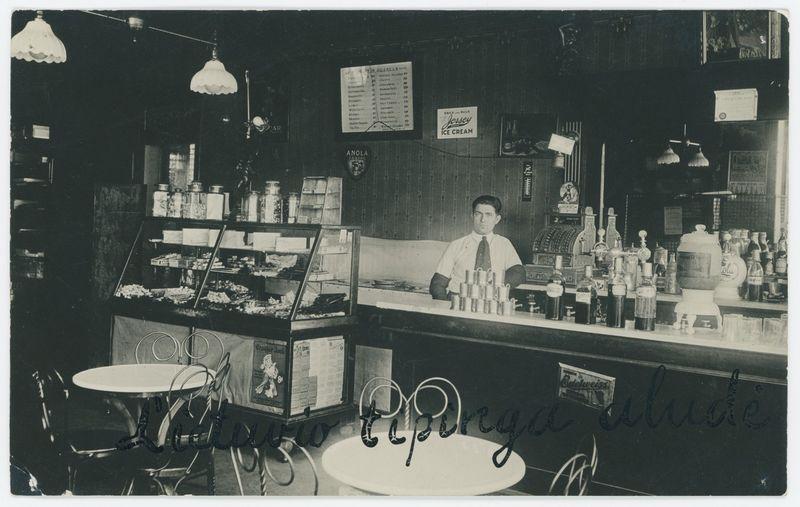 Tipiška lietuvių aludė Čikagoje, 1916 m. Lietuvos centrinio valstybės archyvo nuotr.