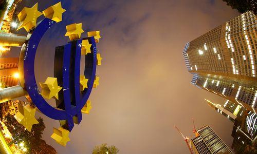 Europos bankai murkdosi pinigų plovimo skandaluose