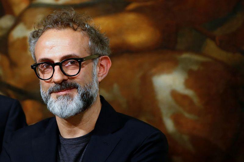 """""""Įtakingiausias ir paveikiausias socialinių medijų kanalas yra ne feisbukas, o maistas"""", - mano geriausio pasaulyje restorano """"Osteria Francescana"""" šefas Massimo Bottura. Tony Gentile (""""Reuters"""" / """"Scanpix"""") nuotr."""