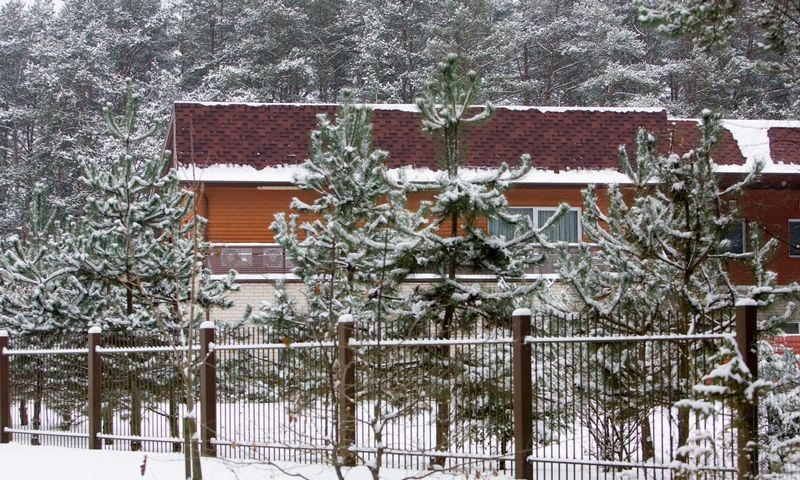 Galimu amerikiečių slaptu kalėjimu laikomas uždaras lietuviško saugumo mokymo centras Vilniaus priemiestyje, Anatviliuose, buvusioje jojimo mokykloje. Vladimiro Ivanovo (VŽ) nuotr.