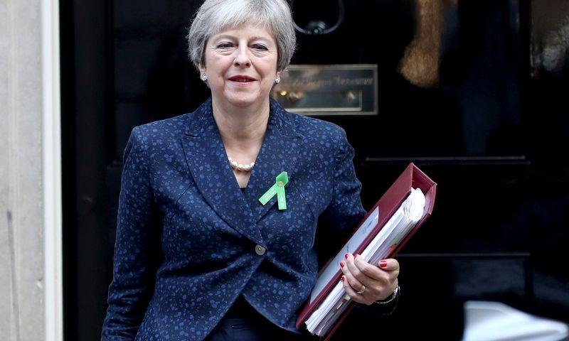 """Sudėtingose ES ir JK derybose dėl skyrybų sutarties –  pirmieji teigiami ženklai. SIMONo DAWSONo (""""Reuters"""" / """"Scanpix"""") nuotr."""