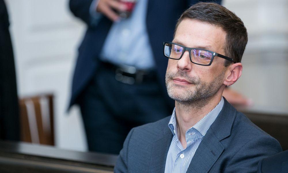Teisiamas Š. Gustainis atsisakė advokato