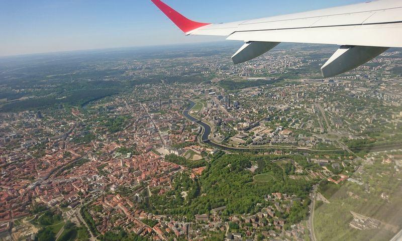 Lėktuvas virs Vilniaus. Lino Butkaus (VŽ) nuotr.