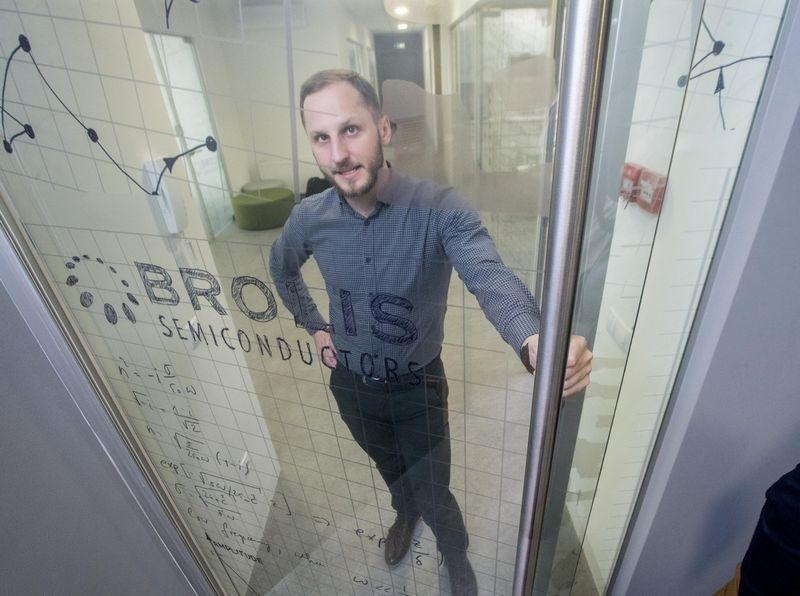 """Kristijonas Vizbaras, UAB """"Brolis Semiconductors"""" komercijos direktorius. Juditos Grigelytės (VŽ) nuotr."""