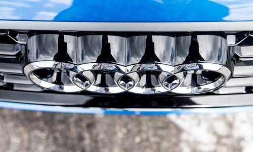 """""""Audi"""" paskirta 800 mln. Eur bauda dėl taršos duomenų klastojimo"""