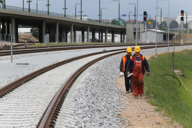 """Baltijos šalims –EK įspėjimas dėl """"Rail Baltica"""""""
