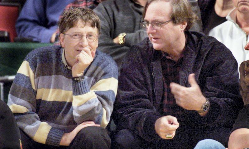 """Billas Gatesas (kairėje) ir Paulas Allenas. Anthony P. Bolante (""""Scanpix""""/""""Reuters"""") nuotr."""