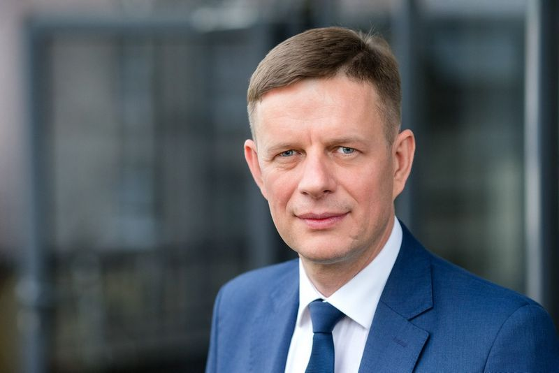 Anot Mindaugo Plečkaičio, Šiaulių banko Kauno regiono vadovo, dažnai įmonės nė nemėgina kreiptis į banką finansinės paramos plėtrai, nes per siaurai vertina savo užstato galimybes. Bendrovės nuotr.