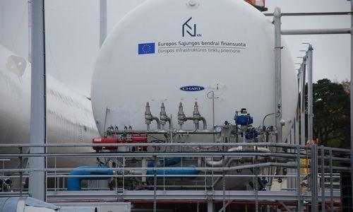 """""""Klaipėdos nafta"""" dalį premijų darbuotojams mokės akcijomis"""