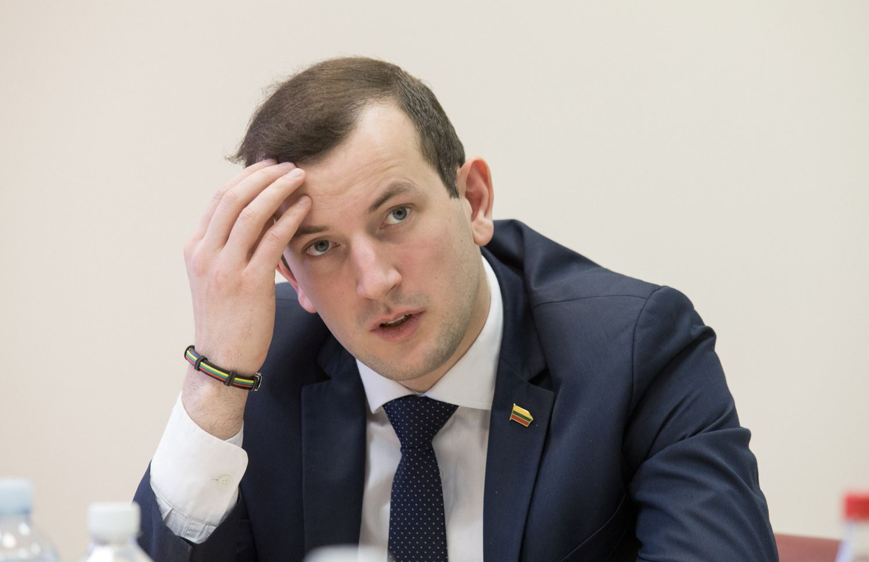VTEK:ūkio ministras pažeidė įstatymą