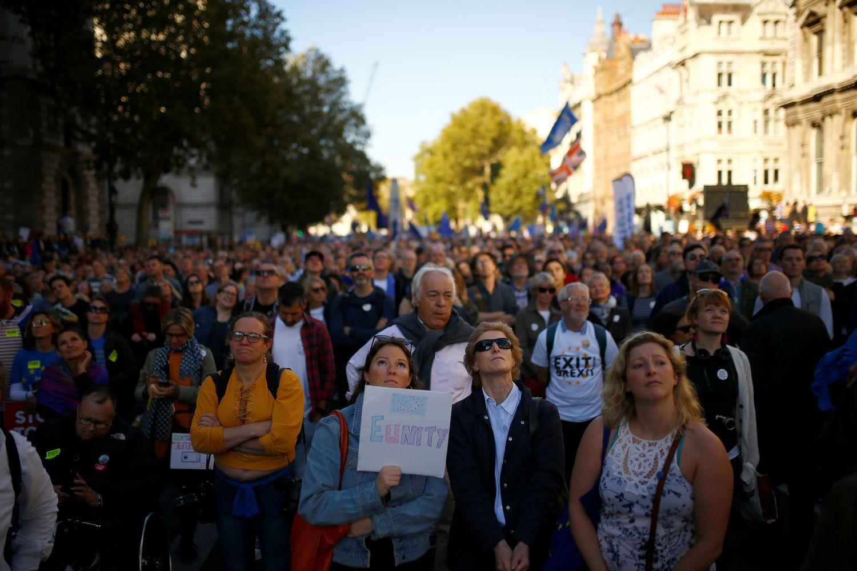 """Londone – tūkstančiai protestuotojų dėl """"Brexit"""""""
