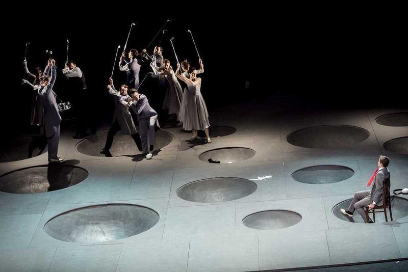 """Iš E. Nekrošiaus spektaklio """"Vėlinės"""". """"Teatr Narodowy""""/""""Sirenų"""" festivalio nuotr."""