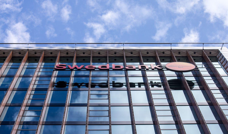 """""""Swedbank"""" pelnas augo 4%"""