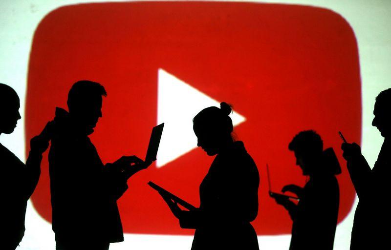 """Pernai """"YouTube"""" vartotojai daugiau kaip 1 mlrd. valandų žiūrėjo filmukus, kurių pavadinime buvo žodžiai """"Kaip pasidaryti..."""" (angl. """"how-to""""). (""""Reuters"""" / """"Scanpix"""") nuotr."""
