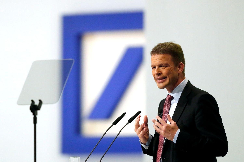 """""""Deutsche Bank"""" rezultatai paskatino akcijų išpardavimą"""