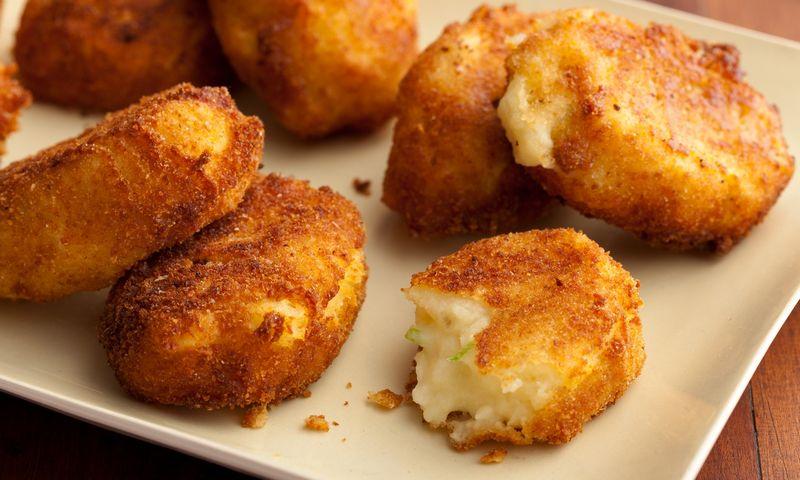 """Paprasčiausiems kroketams iš bulvių košės visiškai pakaks viengubo paniravimo. """"Vikimedijos"""" nuotr."""