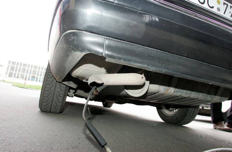Matuojama automobilio CO2 tarša. Violetos Bubelytėss nuotr.