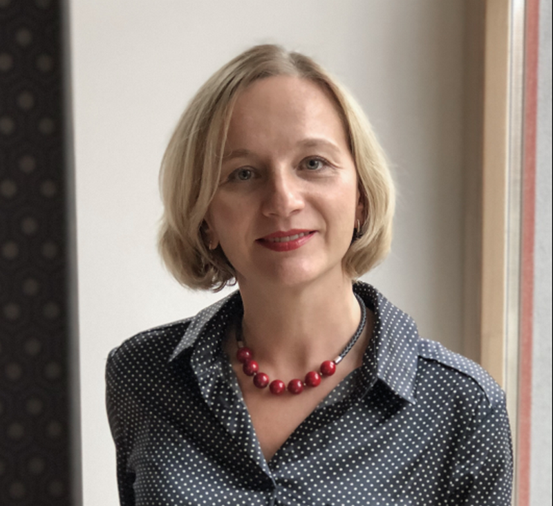 """KOMAA valdybos pirmininke pirmai kadencijai išrinkta """"Mediacom"""" agentūros vadovė Žydronė Amšiejūtė."""