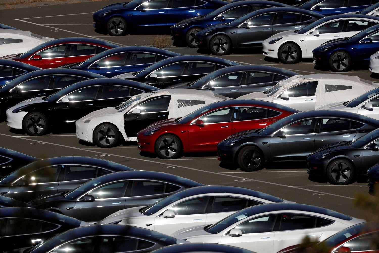 """Pirmą kartą per 2 metus """"Tesla"""" uždirbo pelno"""