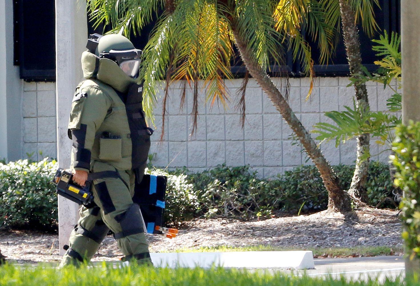 JAV tyrimo dėl siuntų su sprogmenimis gijos veda į Floridą