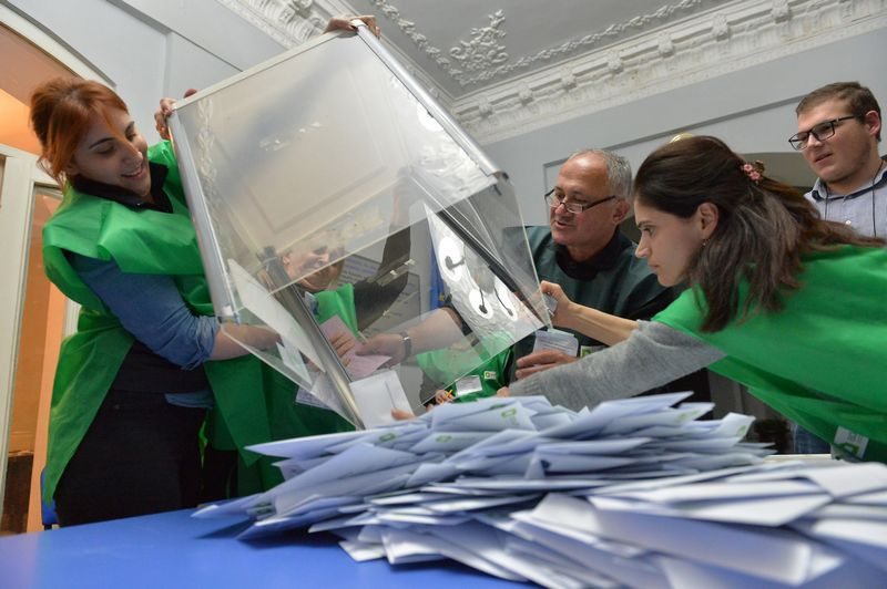 "Rinkimai Sakartvele. Tornike Turabelidze (""Reuters"" / ""Scanpix"") nuotr."