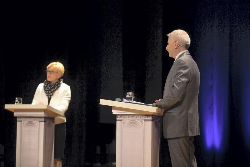 Tarp kandidatų TS-LKD pirminiuose rinkimuose Ingridos Šimonytės ir Vygaudo Ušacko yra įvykę dveji vieši debatai. Mariaus Vizbaro (15min.lt) nuotr.