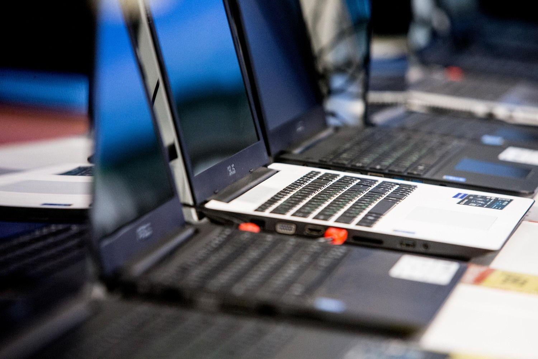 Uždaroma paskutinė kompiuterių gamykla Europoje