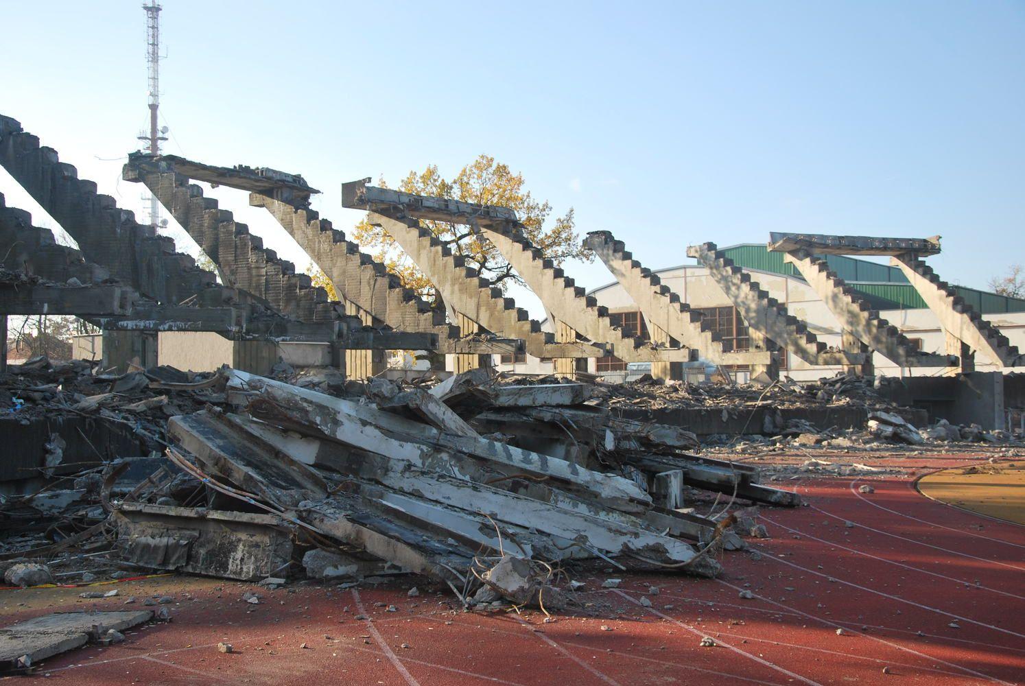 Kauno stadione tuoj pabaigs griovimo darbus