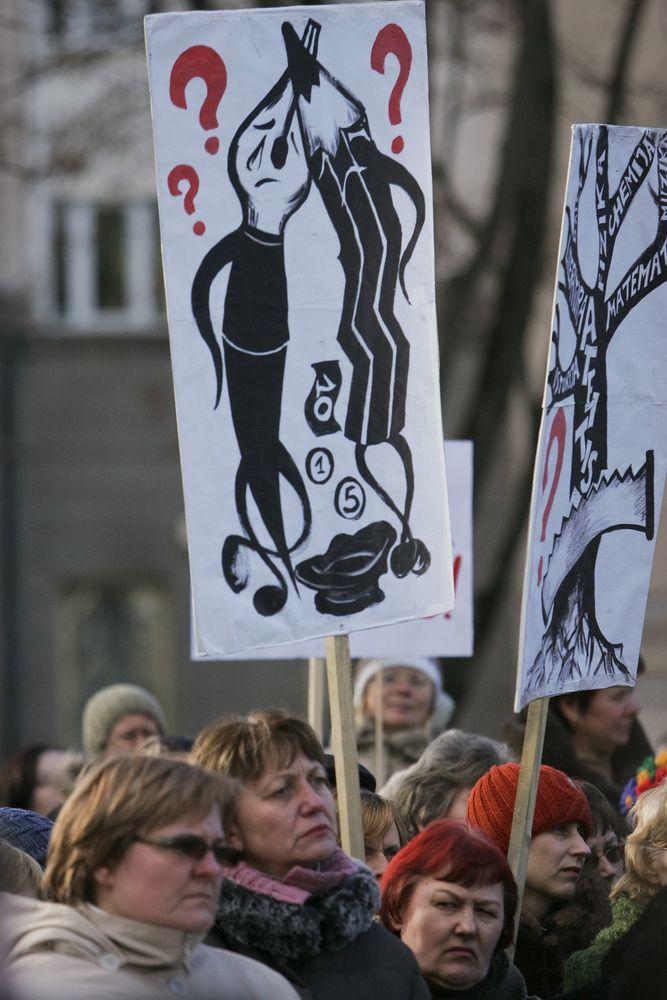 Švietimo darbuotojų profsąjunga lapkritį skelbs streiką dėl etatinio darbo apmokėjimo