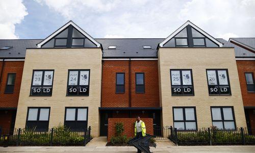 Pagalbą įsigyjant būstą JK planuoja nutraukti 2024 m.